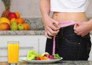 девушка на кухне, пища, стройная девушка, питание для похудания, здоровая пища